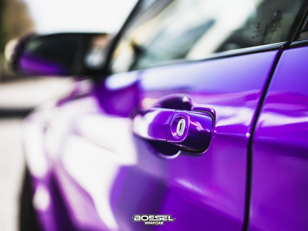 BMW M2 Folierung in lila